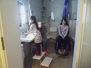 Badezimmer-Umbau für vier Pflegekinder